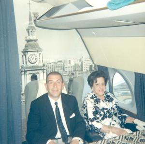 """El Presidente Eduardo . Frei Montalva, pasajero ilustre del """"Profe"""" a bordo de un Caravelle"""